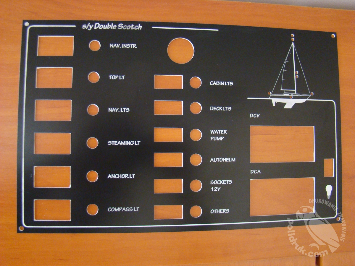Cięcie laserem laminatu - panel sterowania | polidruk.com