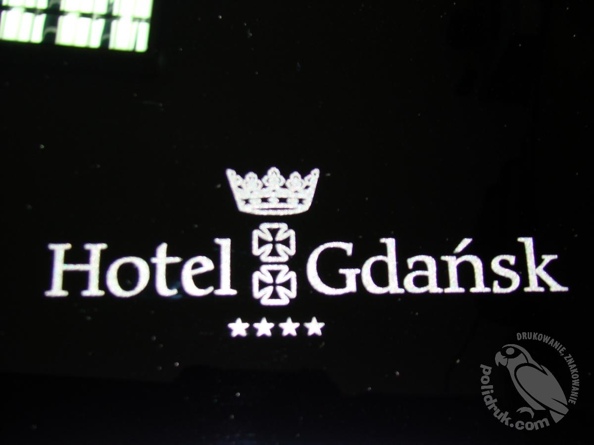 Grawerowanie laserem Gdańsk - czarne szkło | polidruk.com