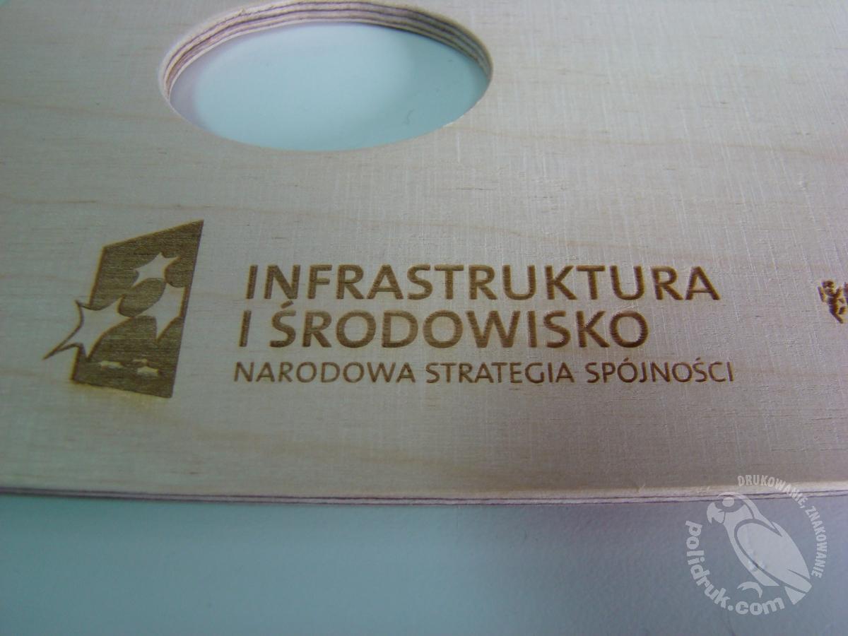 Grawerowanie laserem Gdańsk - drewno | polidruk.com